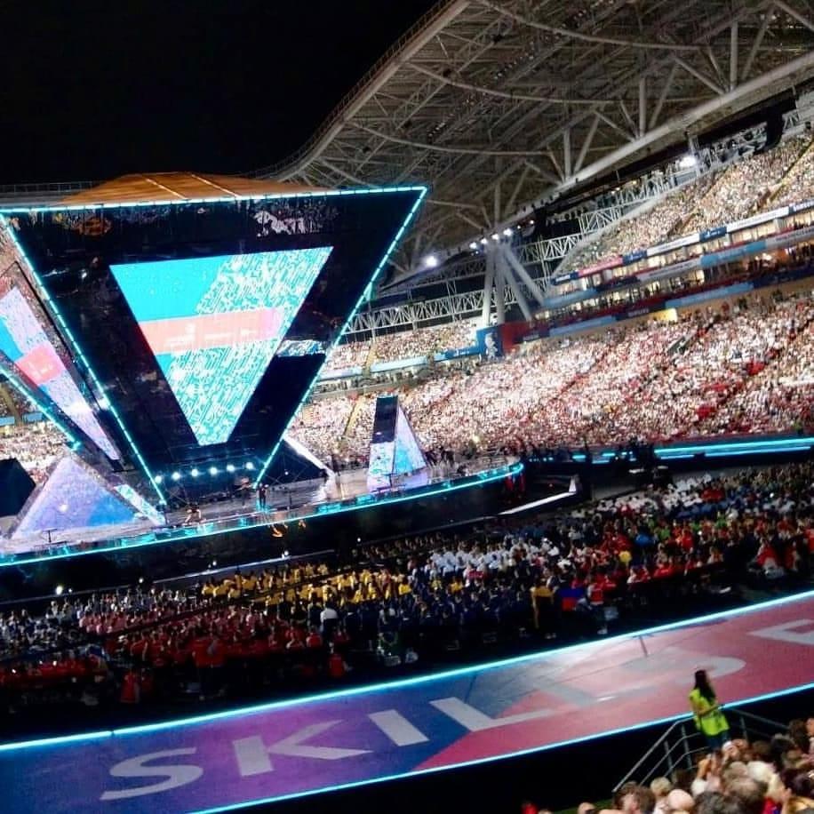Tausende Fans der WorldSkills 2019 und der Teams feiern in der Kasan-Arena.