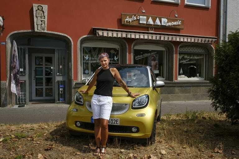 Ayla Liebig aus Köln mit dem Smart EQ Fortwo