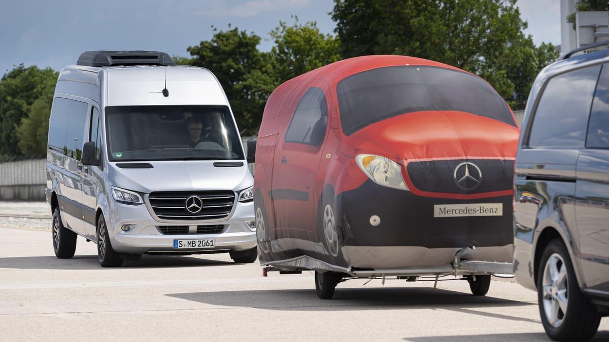 """""""Mulatz fährt"""": Was Sicherheits- und Assistenzsysteme bei Transportern leisten"""