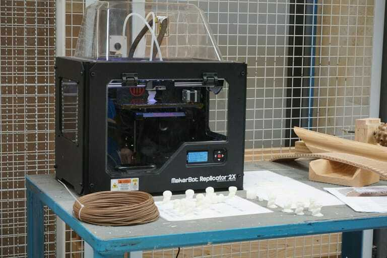 Herkömmliche 3D-Drucker produzieren Schicht für Schicht.