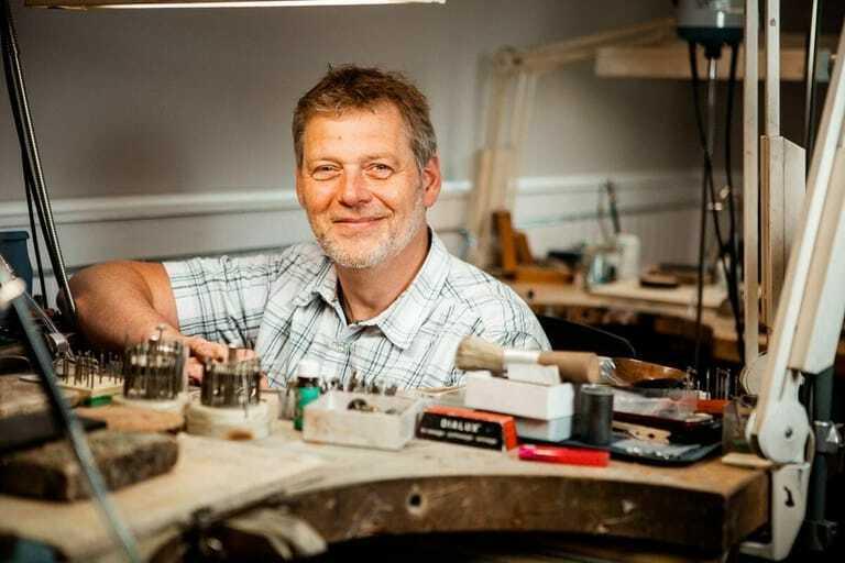 Uwe Frieß, Juwelier und Geschäftsführer der Edelmetallschmiede Frieß, Schleswig.