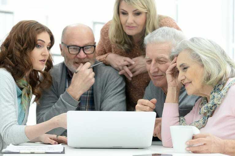 Generationenübergreifendes Arbeiten