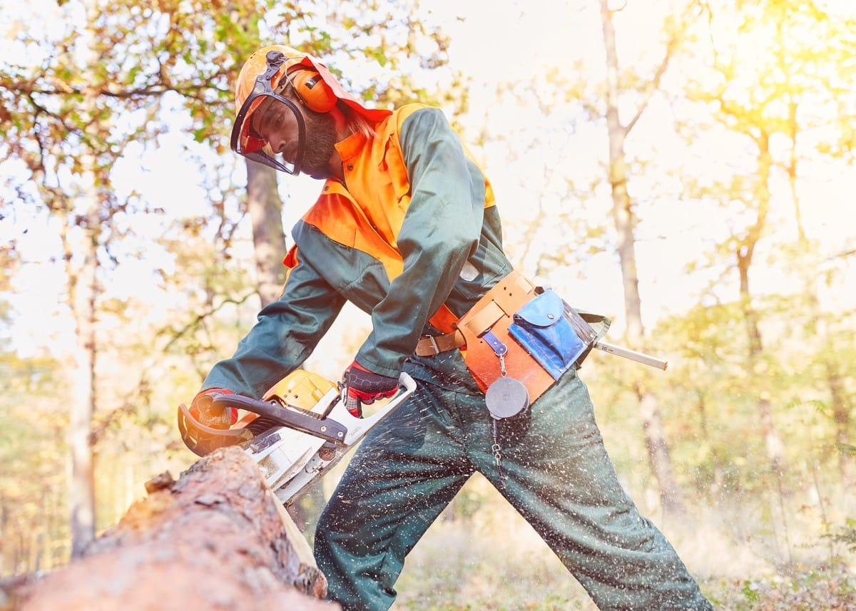 Alleinarbeit: Mitarbeiter an Einzelarbeitsplätzen richtig schützen