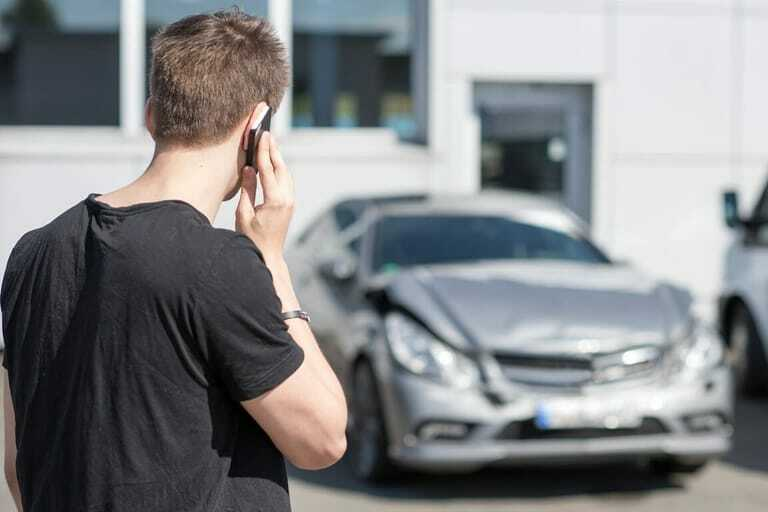 Autounfall auf Betriebsgelände