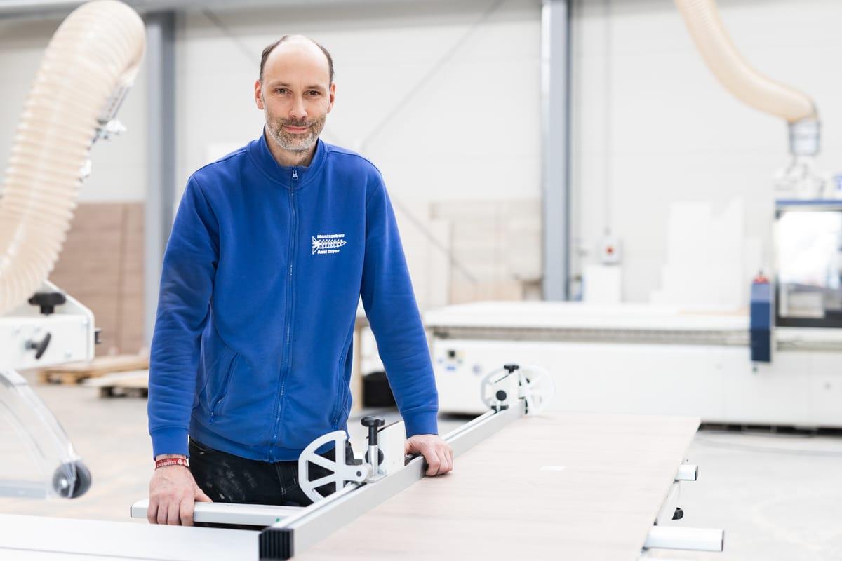 Axel Bayer, Gründer der Tischlerei und Montagebau Bayer in Neukirchen