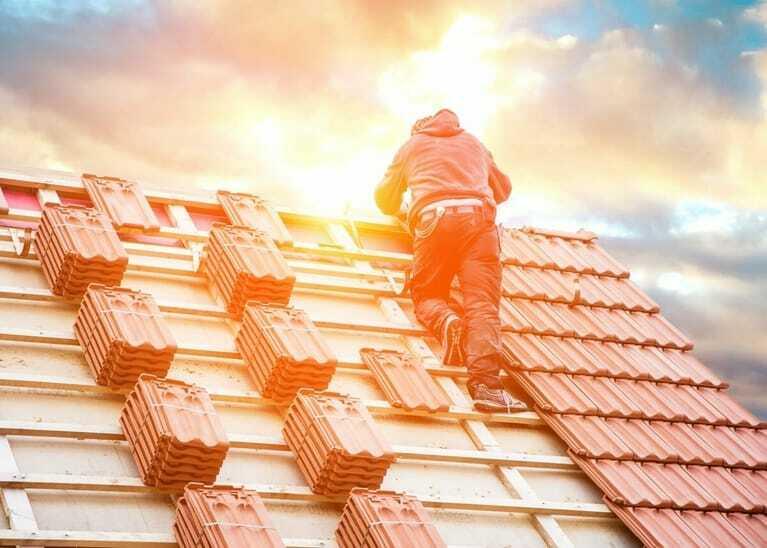 Dachdecker, Spitzdach, Arbeitsunfälle