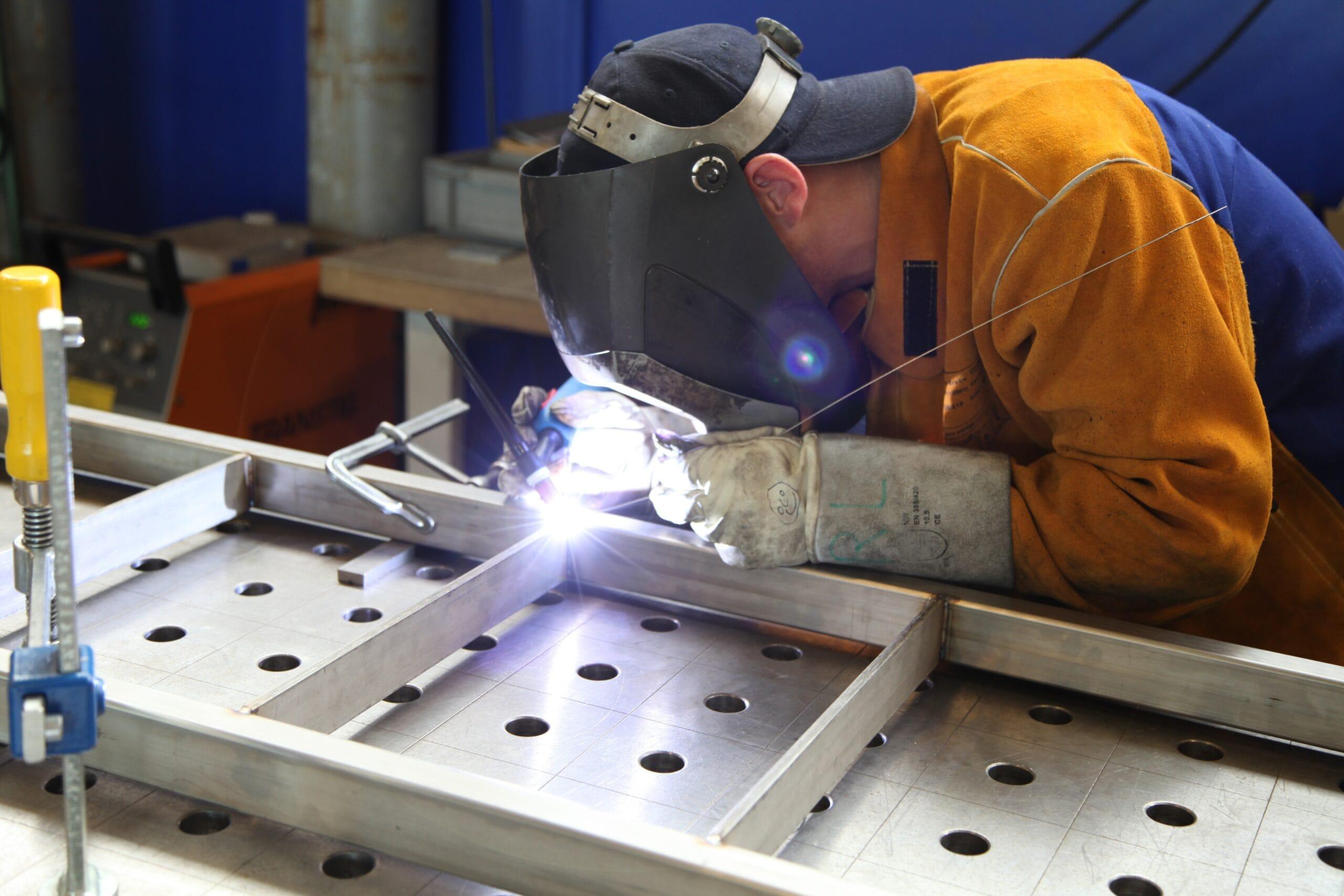 Metallbau: Zuversicht bei vielen Betrieben, Zulieferer in der Krise