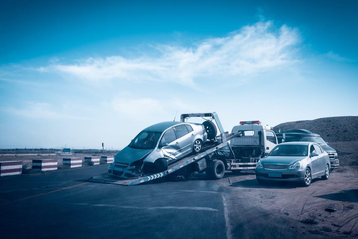 Unfall mit Anhänger: Welche Versicherung zahlt?