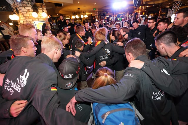So hat das Team Deutschland bei den WorldSkills 2019 in Kasan gefeiert.