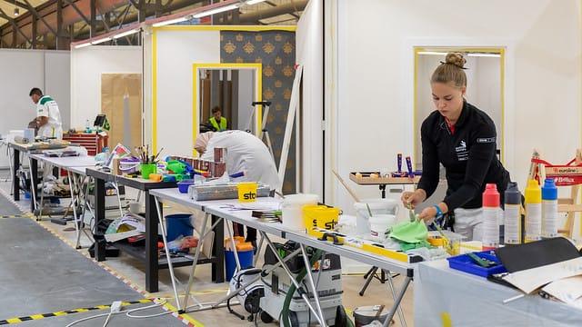 Beim Wettkampf an Skill 22, Maler, hat Jessica Jörges den 5. Platz belegt und holt sich eine Exzellenzmedaille.