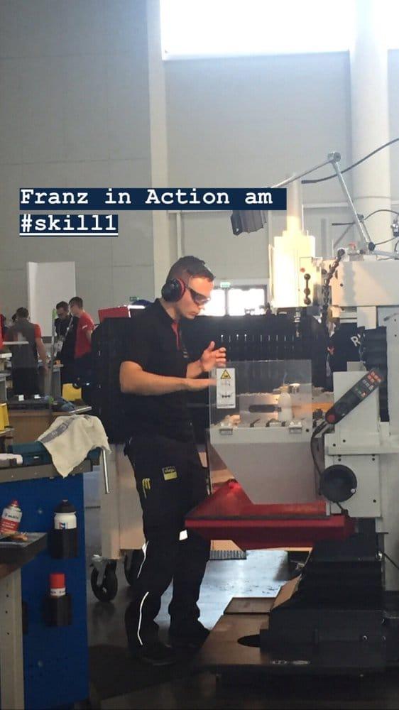 Industriemechaniker Franz Radestock ist voll in Action.