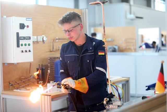 Lukas Brenne kämpft um eine gute Platzierung in der Disziplin Kälte- und Klimatechnik.