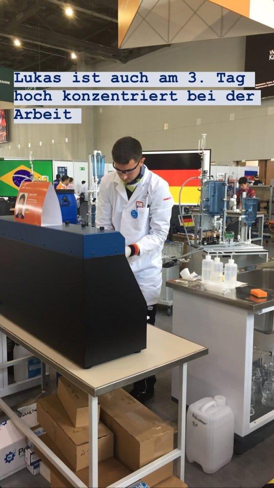 Lukas Kohl an Skill 55, Water Technology, ist auch am dritten Tag hochkonzentriert bei der Arbeit.