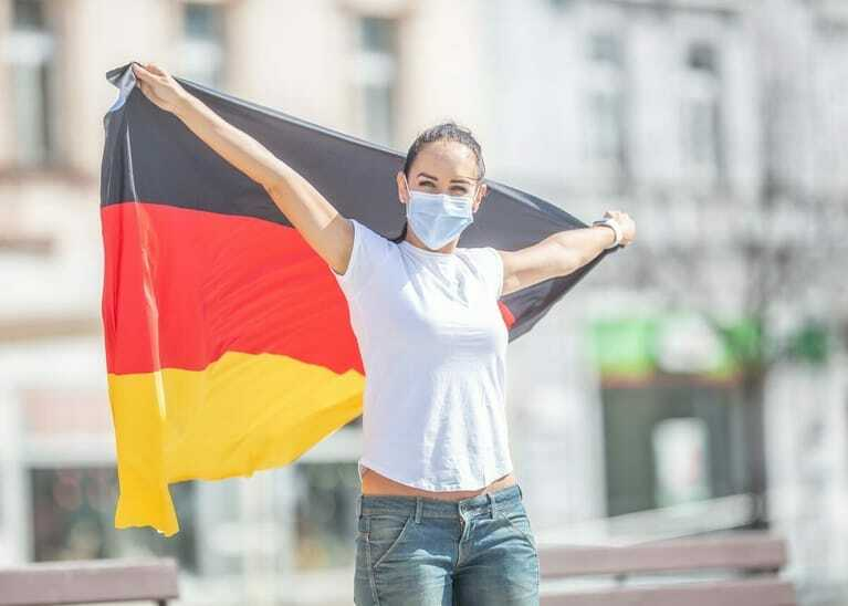 Deutschland-Fan mit Maske, Europameisterschaft, Corona